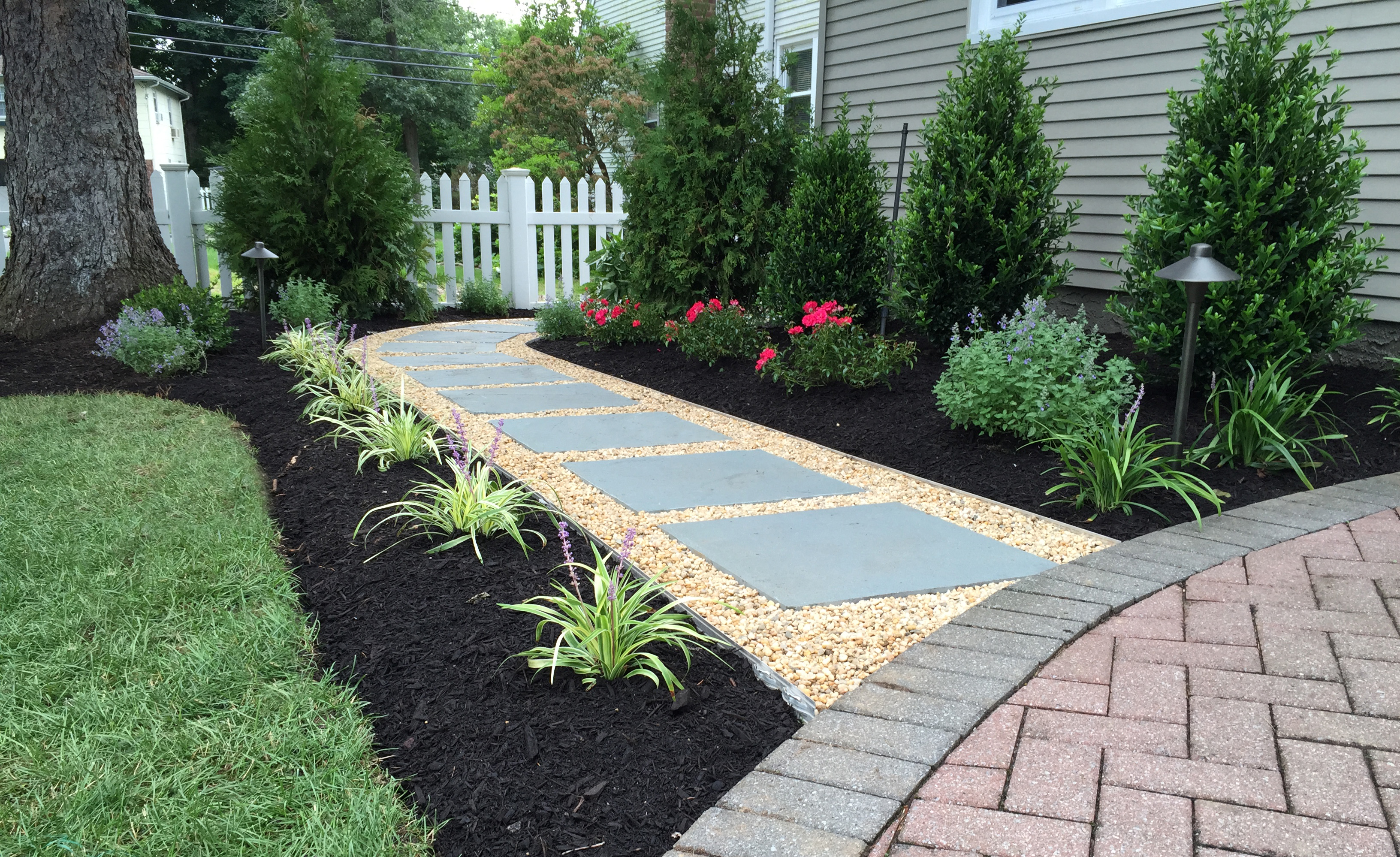 Walkway landscape design autumn leaf landscape design for Walkway landscaping