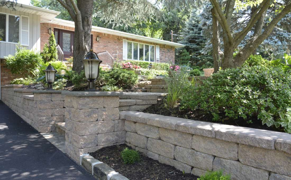 Retaining Wall Construction Professionals | Autumn Leaf