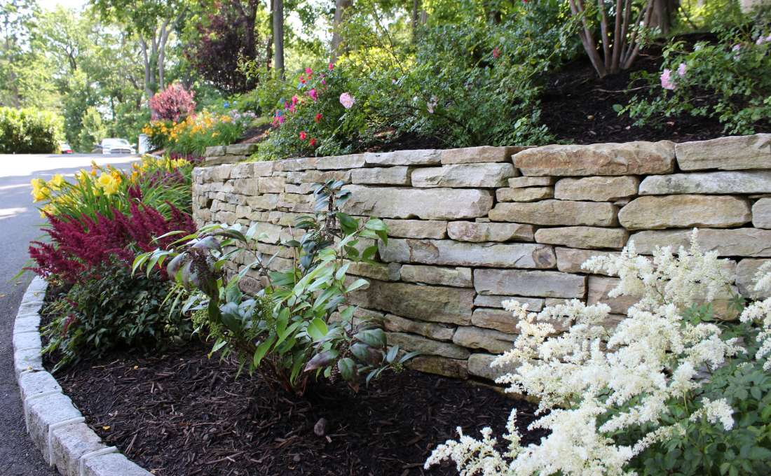 ... Natural Stacked Stone Walls ...