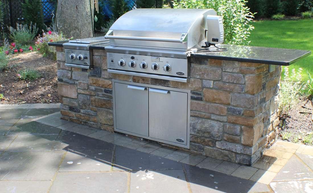 Custom Outdoor Kitchen Design | Autumn Leaf Landscape Design