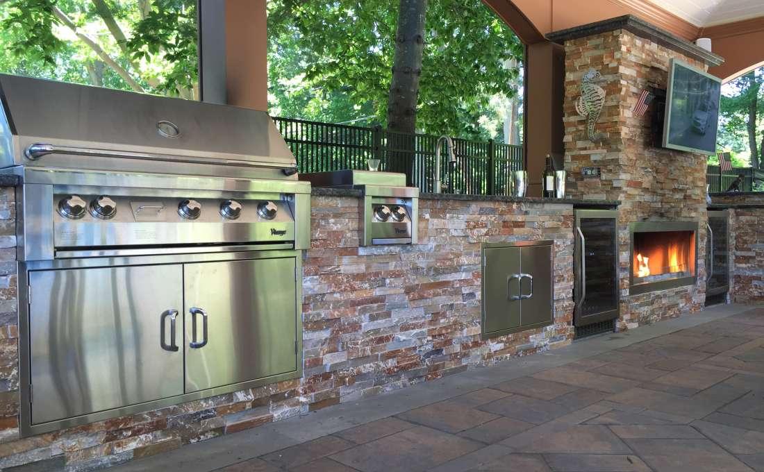 Glen Head, Long Island Complete Outdoor Kitchen Design.
