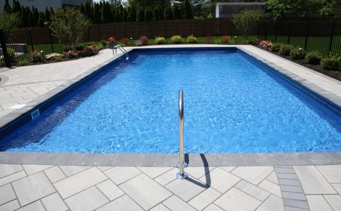 Cutsom Swimming Pool Landscape Designs Autumn Leaf