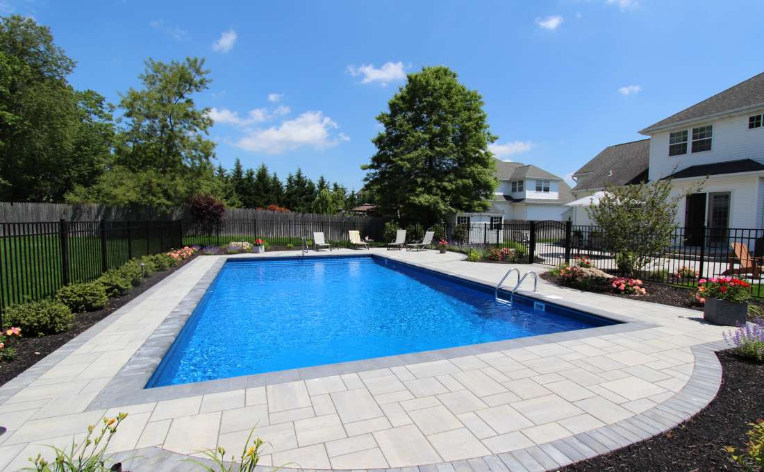 Cutsom Swimming Pool Landscape Designs | Autumn Leaf