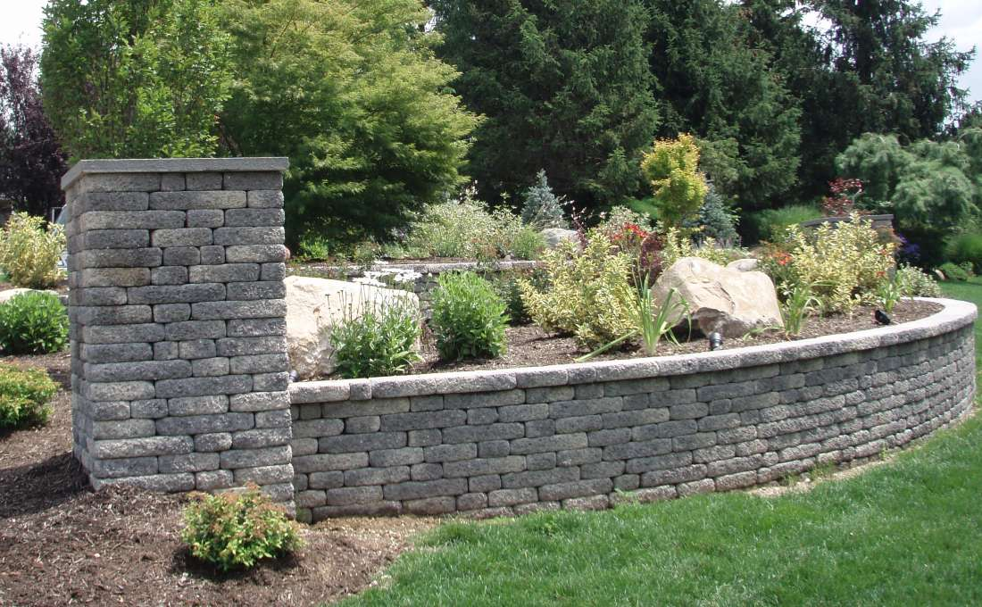 ... Front Yard Retaining Wall Plant Bed With Light Pier ...