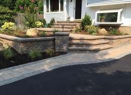Cambridge pavingstone front walkway design and driveway