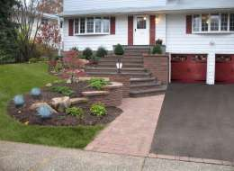 Pavingstone front walkway design with natural bluestone treads