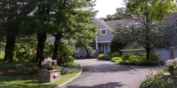 Curb Appeal Landscaping. Huntington, Long Island